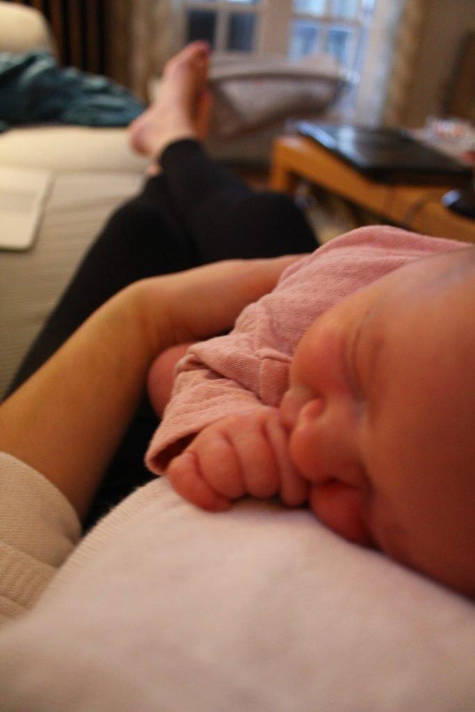Postpartum self care tips for new moms