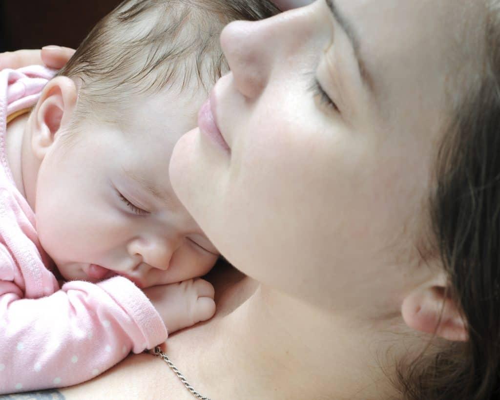 Dream feeding for postpartum recovery